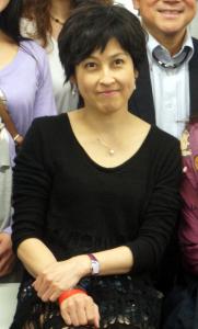 岸谷香さん